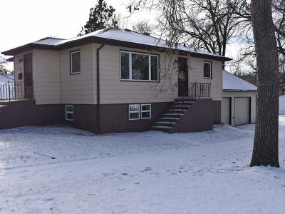 Mandan Single Family Home For Sale: 711 5th Ave NW