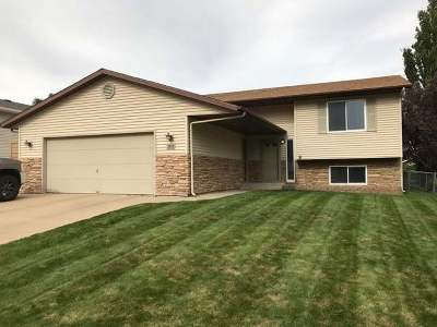 Bismarck Single Family Home For Sale: 3831 Montreal St