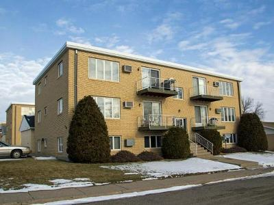Mandan Condo/Townhouse For Sale: 1700 4th Ave #3
