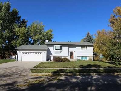 Bismarck Single Family Home For Sale: 120 Tucson Av
