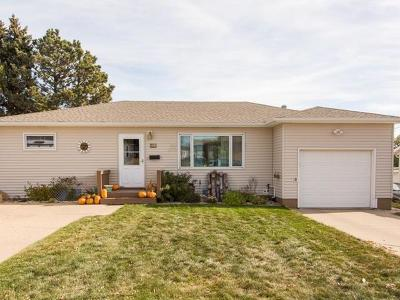 Mandan Single Family Home For Sale: 806 1st Ave NE