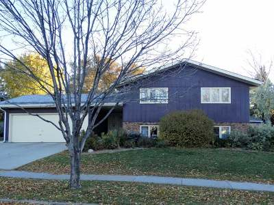Bismarck Single Family Home For Sale: 2501 Springfield St