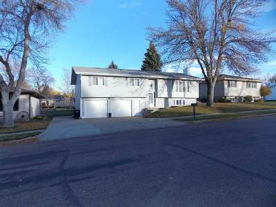 Bismarck Single Family Home For Sale: 1819 20 St N
