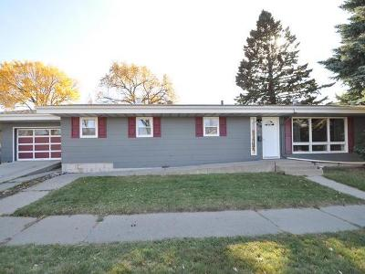 Bismarck Single Family Home For Sale: 419 C Av W