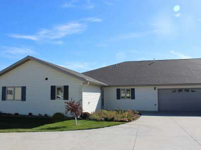 Bismarck ND Condo/Townhouse For Sale: $279,900