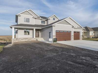 Bismarck Single Family Home For Sale: 4000 High Creek Rd