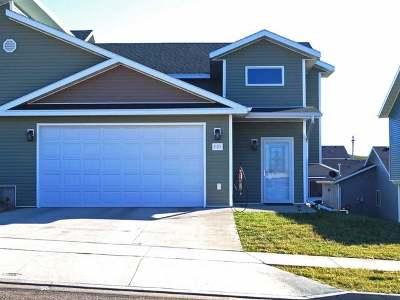 Mandan Single Family Home For Sale: 305 Lena Court SE