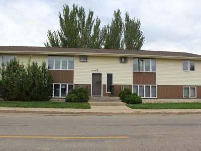 Bismarck Single Family Home For Sale: 1105 Bowen Ave E #A-D