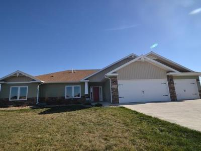 Bismarck Single Family Home For Sale: 13741 Trail Boss Way