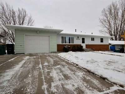 Bismarck Single Family Home For Sale: 524 Dohn Av