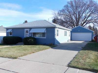 Bismarck Single Family Home For Sale: 1725 7th St N