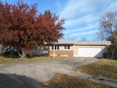 Mercer County Single Family Home For Sale: 411 Lakota Ave