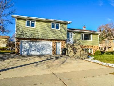 Bismarck Single Family Home For Sale: 2110 Nagel Dr