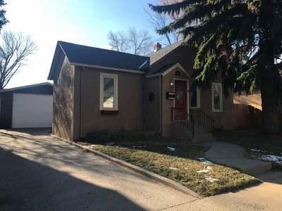 Bismarck Single Family Home For Sale: 213 Rosser Av W