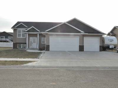Mandan Single Family Home For Sale: 1005 Sunflower Lane SW