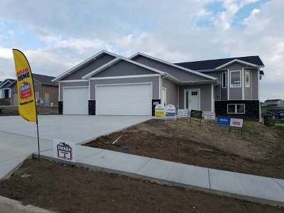 Mandan Single Family Home For Sale: 1620 Plains Bend SE