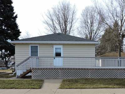 Mandan Single Family Home For Sale: 800 14th St NW