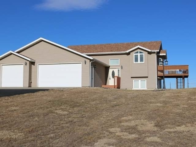 Bismarck Single Family Home For Sale: 6550 Stonewood Wy