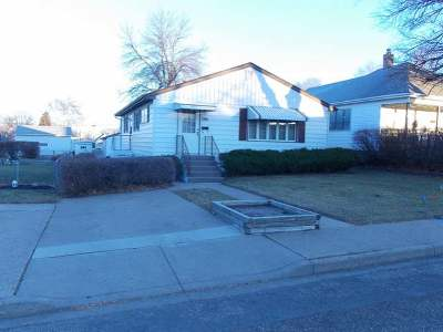 Mandan Single Family Home For Sale: 104 12 Ave NW