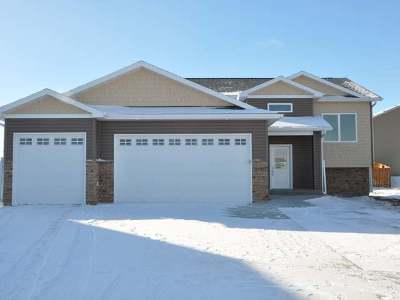 Bismarck Single Family Home For Sale: 1005 Calvert Pl