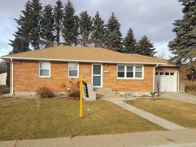 Mandan Single Family Home For Sale: 702 18 St NW