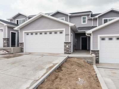 Mandan Condo/Townhouse For Sale: 2503 7 Ave NW