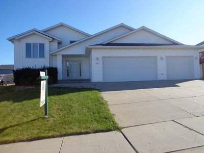Mandan Single Family Home For Sale: 2404 8th Ave SE