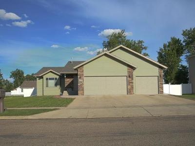 Mandan Single Family Home For Sale: 3706 Bay Shore Bend SE