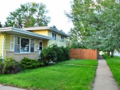 Bismarck Single Family Home For Sale: 1802 Bowen Av
