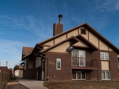 Condo/Townhouse Sold: 218 Sweet Avenue W #2