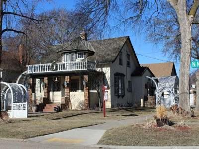 Bismarck Single Family Home For Sale: 722 Mandan St N