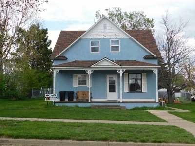New Salem Single Family Home For Sale: 207 3rd St N