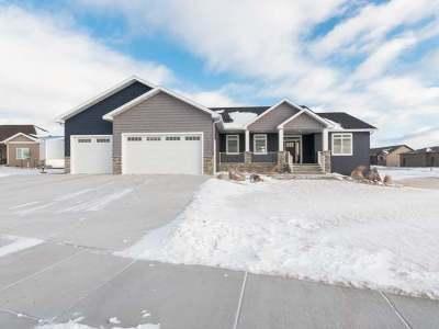 Bismarck Single Family Home For Sale: 4523 Kites Ln