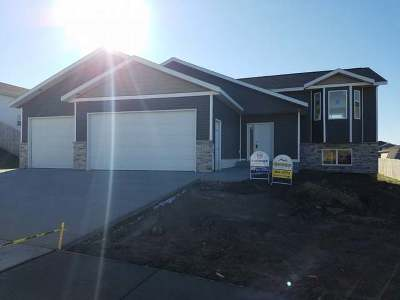 Mandan Single Family Home For Sale: 4713 Corvette St
