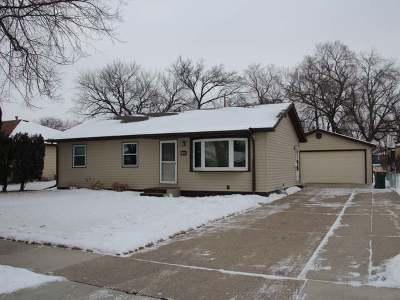 Bismarck Single Family Home For Sale: 1823 Assumption Dr