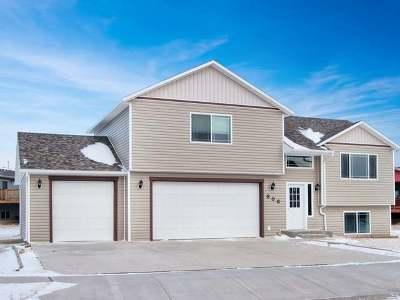 Mandan Single Family Home For Sale: 606 25th St SE