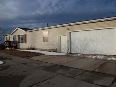 Mandan Single Family Home For Sale: 900 10th St SE