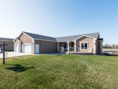 Bismarck Single Family Home For Sale: 1026 Voyager Dr