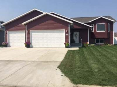 Bismarck Single Family Home For Sale: 3064 McNally St
