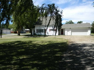 Wilton Single Family Home For Sale: 300 Bismarck Ave