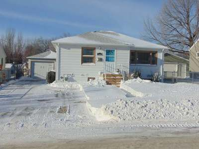 Bismarck Single Family Home For Sale: 1306 13th St N