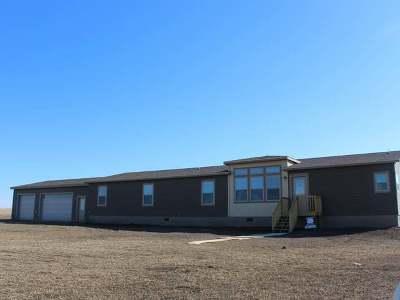 Mandan Single Family Home For Sale: 4490 Cow Poke Trl