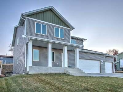 Bismarck Single Family Home For Sale: 3219 Eastside Pl