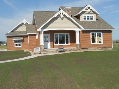 Bismarck Single Family Home For Sale: 7708 Club House Dr