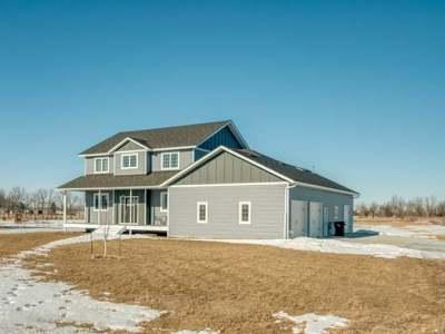 Bismarck Single Family Home For Sale: 12120 Creek's Edge Rd