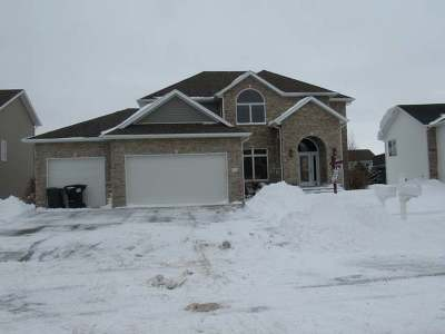 Mandan Single Family Home For Sale: 3405 Bay Shore Bend SE