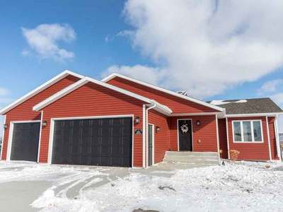 Bismarck Single Family Home For Sale: 6509 Tiffany Dr