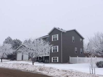 Mandan Single Family Home For Sale: 901 21st St SE