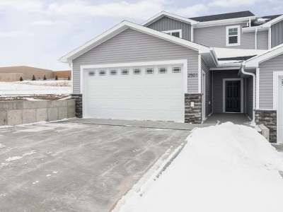 Mandan Condo/Townhouse For Sale: 2501 7 Ave NW