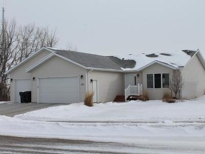 Mandan Single Family Home For Sale: 3200 14th Ave SE